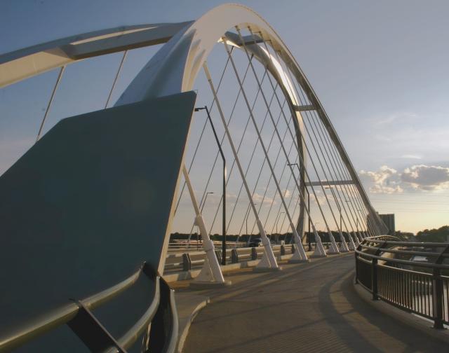 Lowry Bridge series 007