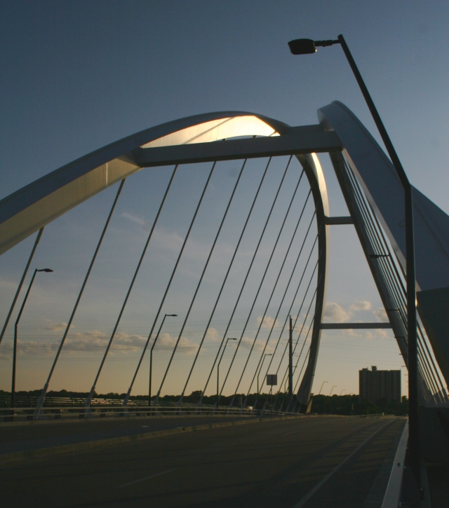 Lowry Bridge series 009