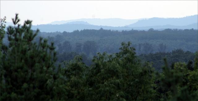 Wisconsin bluffs, looking south from Neillsville Vet Memorial 002
