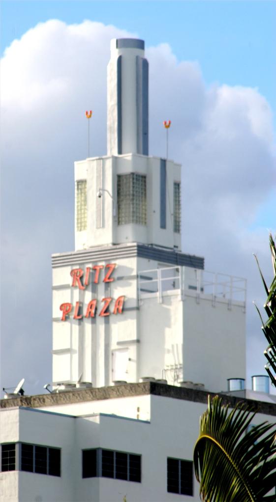 Miami architecture, Ritz Plaza