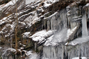 Icicle series, Fort Mountain StPk cliffs 003