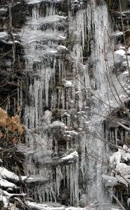 Icicle series, Fort Mountain StPk cliffs 004