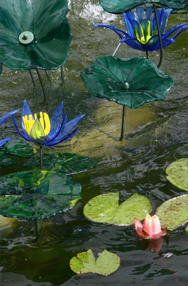 Arboretum glass art sculptures series 005