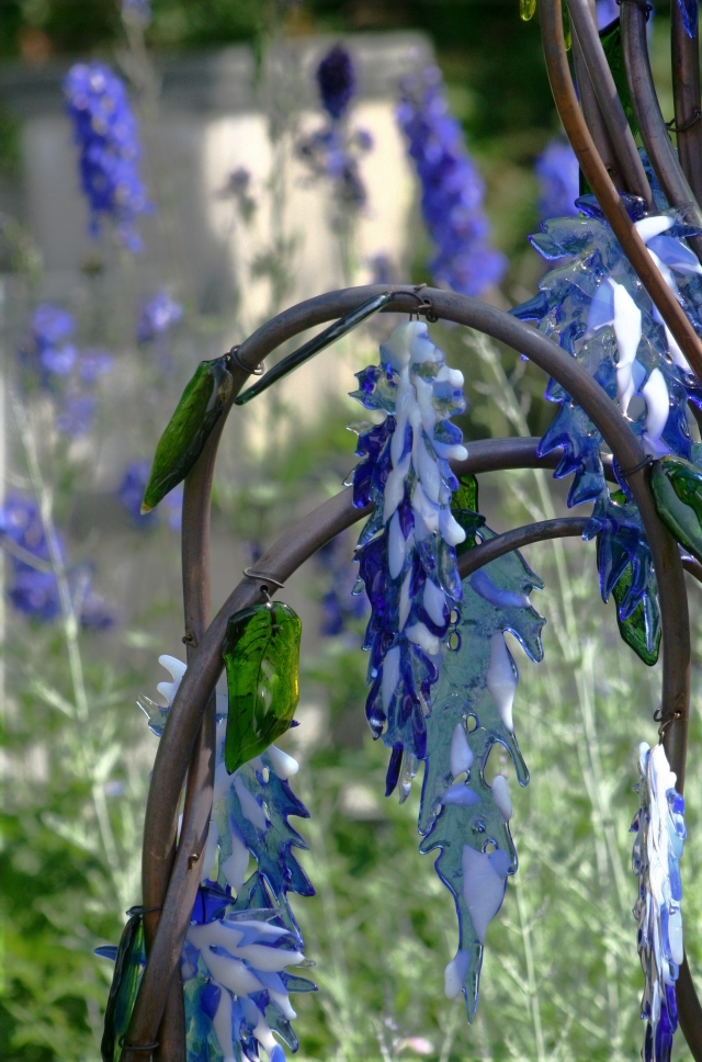 Arboretum glass art sculptures series 011