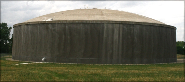 Petina metal watertank, Roseville