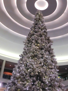 Christmas tree and circular ceiling, Mall of America
