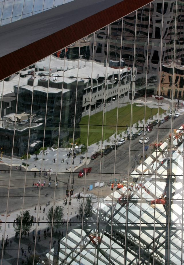 Reflective glass of US Bank Stadium 002
