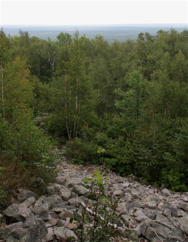 rock-field-and-view-from-top-of-rib-mountain
