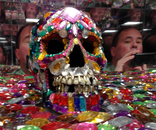 bejeweled-skull-with-larry-reflection