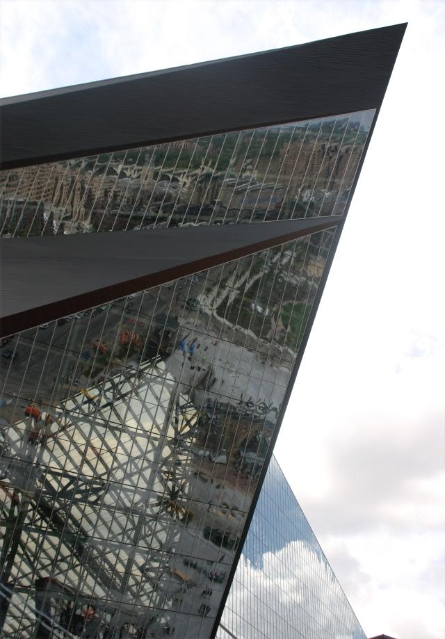 architectural-detail-of-us-bank-stadium