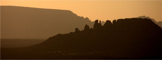 rock-formations-at-dusk-sedona-az