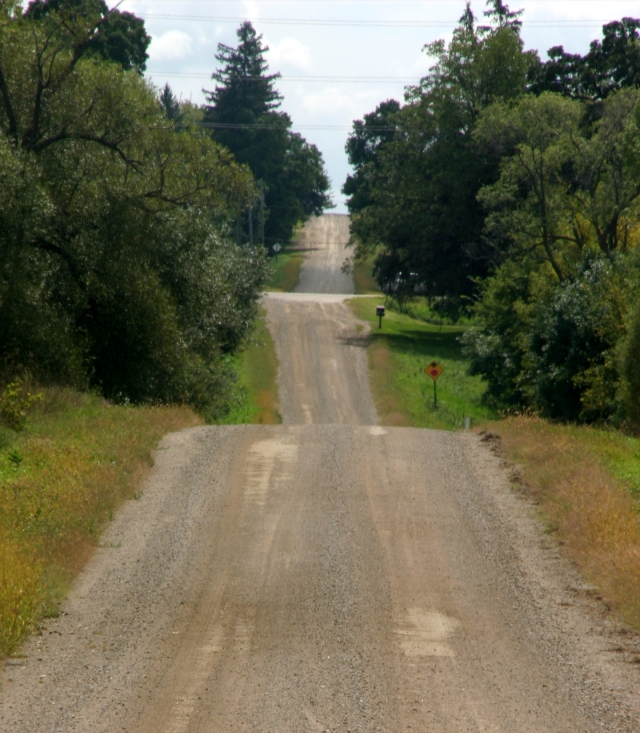 rural-uphill-dirt-road-southern-mn